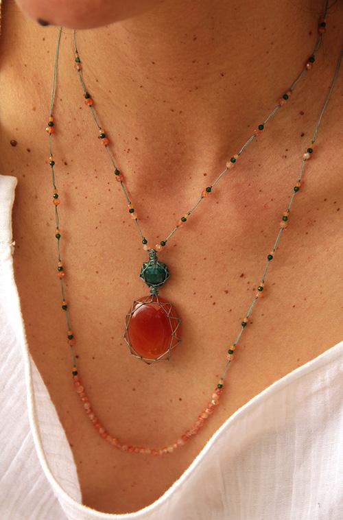 collier talisman cornaline et jade